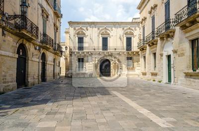 Malá barokní náměstí v centru města Lecce, Salento, Itálie