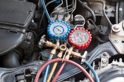 Obraz Manometr používaný k měření tlaku vzduchu v automobilu.