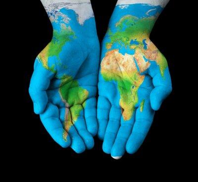 Obraz Mapa, kterou namaloval na ruce ukazovat pojetí - Svět v našich rukách