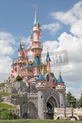 Obraz Marne-la-Vallée, FRANCE - 01.07.2011 - Spící hrad v Disneyland Resort Paris Beauty.