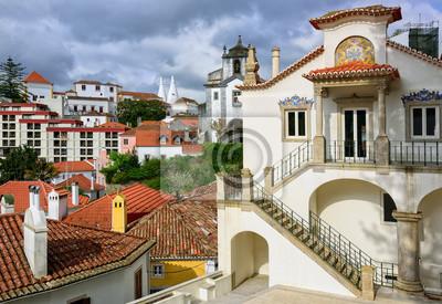 město Sintra, Portugalsko, Národní palác v pozadí