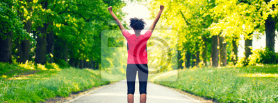 Obraz Mladá žena Teenager Fitness běží slaví Panorama