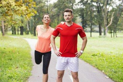 Obraz Mladí lidé trénink outdoor