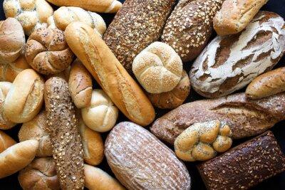 Obraz Mnoho smíšené chleby a rohlíky zastřelil shora.