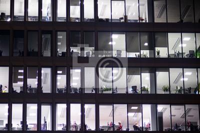 Obraz Moderní kancelářská budova v noci. Noční světla, městská kancelářská budova v centru, pohled na panoráma města
