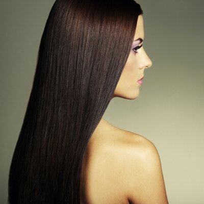 Obraz Módní fotografie mladé ženy s tmavými vlasy