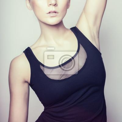 Módní portrét mladé krásné ženy