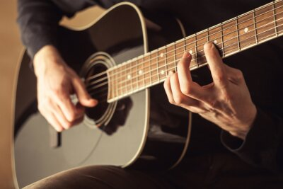 Obraz Muži hrát na kytaru zblízka