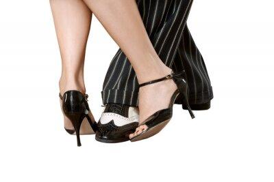 efd2e5c10ff Mužská a ženské nohy tančí tango izolované s ořezové cesty obrazy na ...