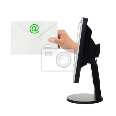 Obrazovka počítače a ruka s dopisem