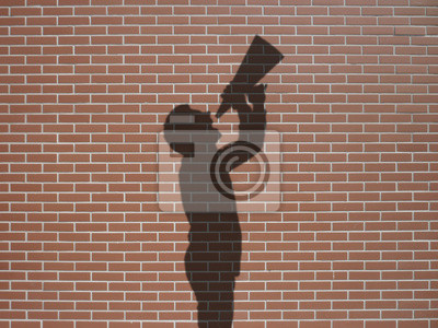 Ombre d'homme avec megafon