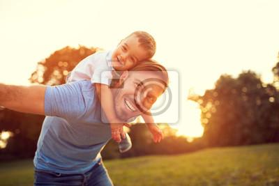 Obraz Otec si vysloužil svého syna venku