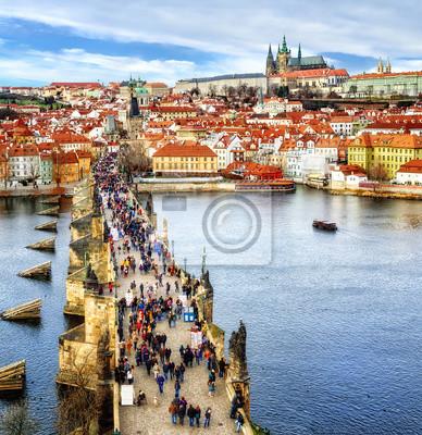 Panorama Prahy s hrad, Karlův most, řeka Vltava