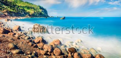 Obraz Panoramatický výhled na pláž Avali. Neuvěřitelná ranní přímořská krajina v Jónském moři. Vzrušující venkovní scény ostrova Lefkada, Řecko, Evropa. Krása přírody pozadí koncepce.