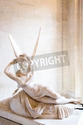 Obraz Paříž - červen 23: Cupid statue 23. června roku 2014 v Paříži. Antonio Canova socha Psyche oživeno Cupid polibek, první do provozu v roce 1787, je příkladem klasicistní oddanost milovat a emoce.