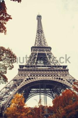Obraz Paříž. Nádherný širokoúhlý pohled na Eiffelovu věž v podzimní sezóně