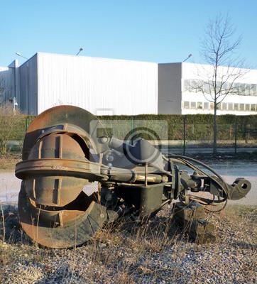 pince mécanique abandonnée