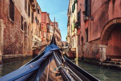 Obraz Pohled z lanovky při jízdě přes benátských kanálech i