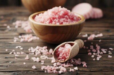 Obraz Pojetí lázeňské léčby s růžovým soli