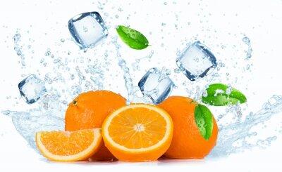Obraz Pomeranče s stříkající vodě