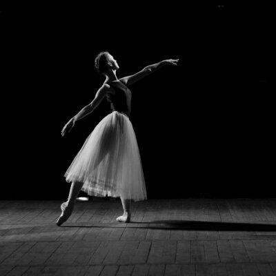 Obraz Portrét mladé hezké balerína