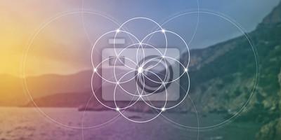 Obraz Posvátná geometrická květina stránky webových stránek se zlatým poměrovým číslem, spojujícími se kruhy a částicemi před přírodním pozadím. Vzorec přírody.