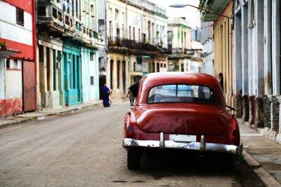 Obraz Pouliční scéna s veteránem v Havaně na Kubě