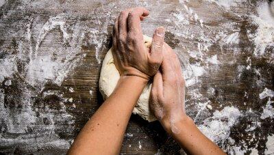 Obraz Příprava těsta. Příprava těsta se ženské ruce.