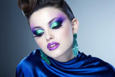Obraz Profesionální modré make-up a účes na krásné ženě obličej
