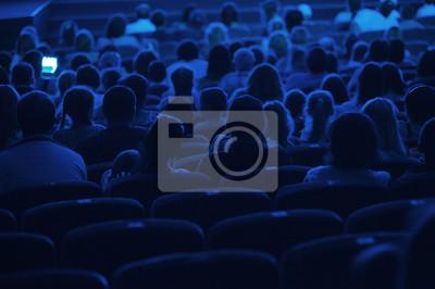 Publikum v kině. Silueta.