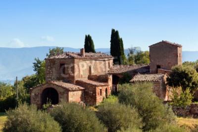 Obraz Rezidence v Toskánsku, Itálie. Typické pro oblast toskánské farmy, kopce, cypřišové stromy. Itálie