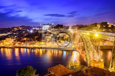Ribeira a most v noci Dom Luiz, Porto, Portugalsko