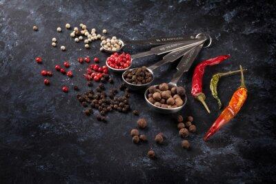 Obraz Různé pepřem a chilli papričky