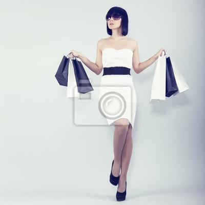 sexy nákupní dívka