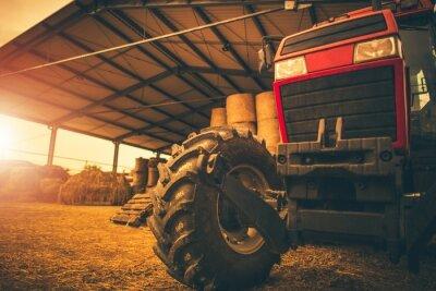 Obraz Skladování sena a traktoru