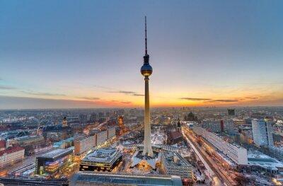 Obraz Slavný televizní věž v Berlíně při západu slunce