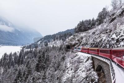 Obraz Slavný vyhlídkový vlak ve Švýcarsku, v zimě ledovec Express