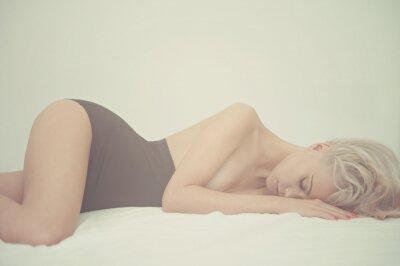 Obraz Smyslná žena v posteli