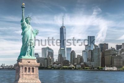 Obraz Socha svobody s pozadím Světového obchodního centra, památky New Yorku