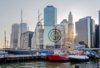 South Street Seaport a Downtown Manhattan Skyline