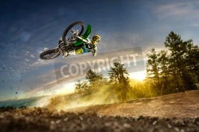 Obraz Špína na kole jezdec letící ve večerních