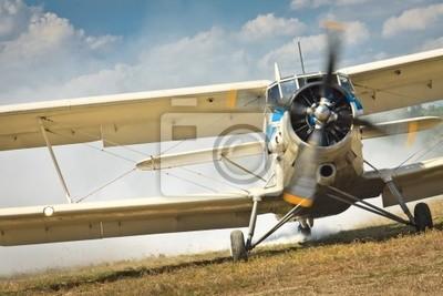 Staré letadlo připraveno ke spuštění