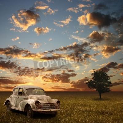 Obraz Staré opuštěné auto s Sunset