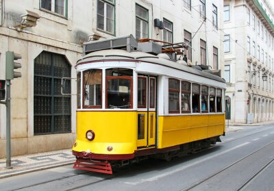 Obraz Staré žlutá Lisabon tramvají, Portugalsko