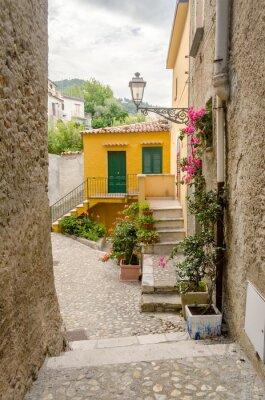 Obraz Starověké ulice ve starém městě na jihu obce Itálie