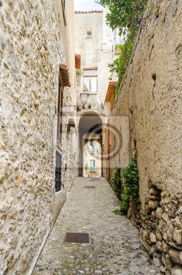 Starověké ulice ve starém městě na jihu obce Itálie
