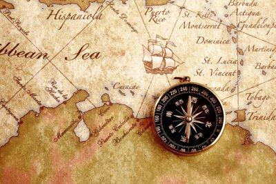 Obraz Starý mosazný kompas na mapu pokladu, pozadí