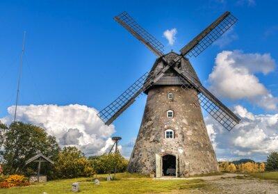 Obraz Starý větrný mlýn by letní den