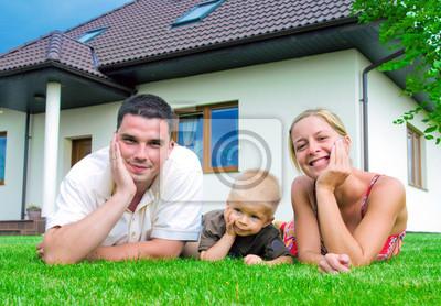 Šťastná rodina a dům