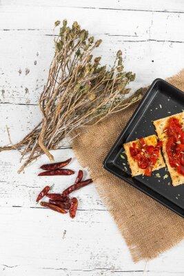 Obraz Sušenka s pečenými paprikami, chilli a oreganem